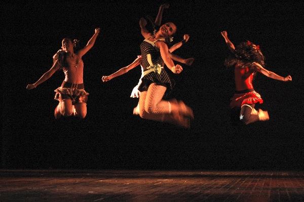 Sueño de mariposa. Compañía Juvenil del ISBA. Coreografía: Marisol Salinas. Foto©Javier Valdés