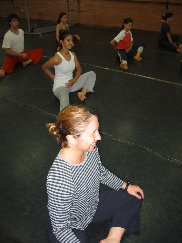 Jennifer Salk durante una clase en el ISBA