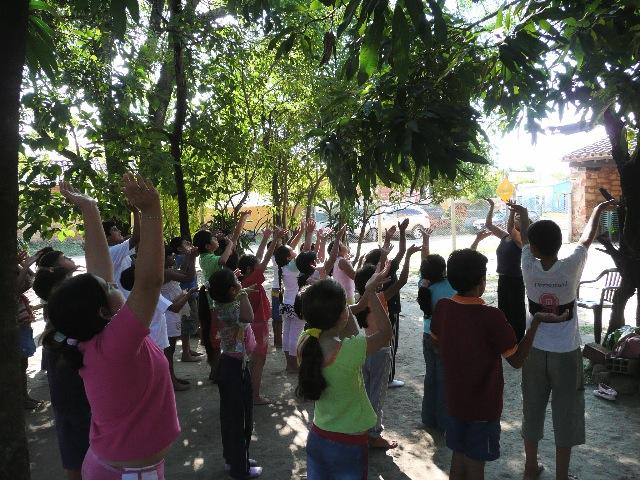 Niños de la comunidad de Villa Hayes en el Centro Cultural Melodía